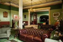 Guest Lounge & Billiards Room
