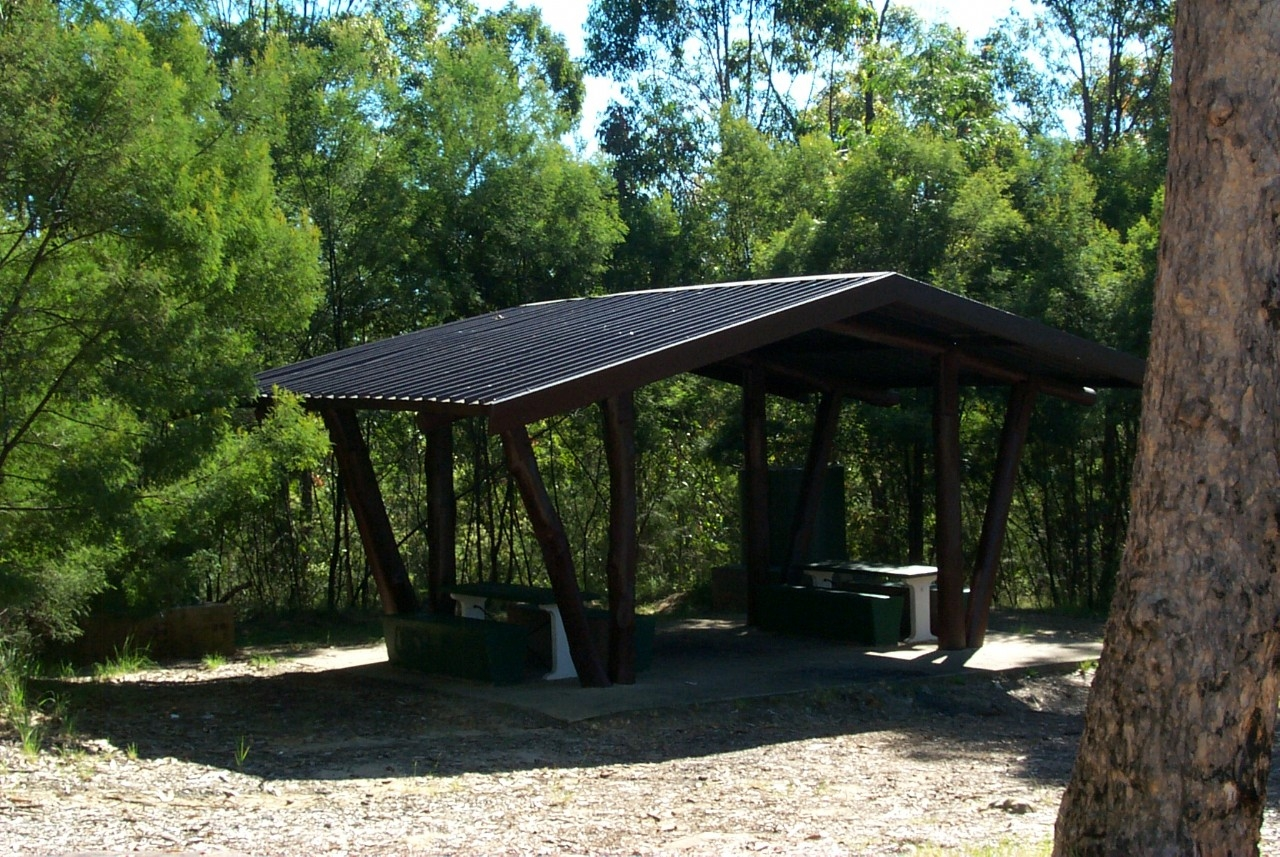 Picnic area at Hawkesbury Lookout