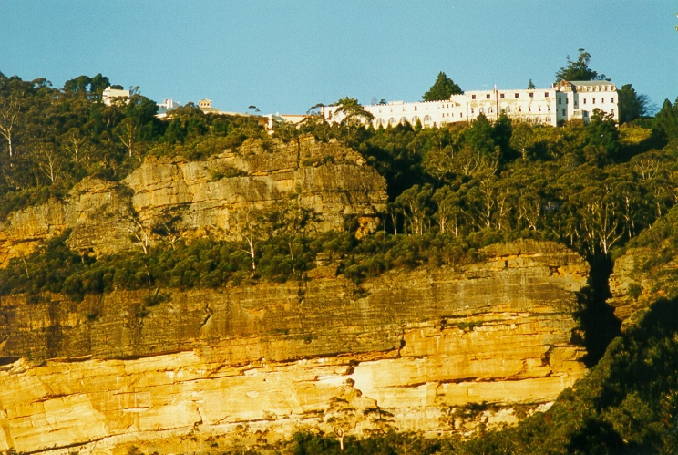 The Hydro Majestic at the top of the sandstone cliffs