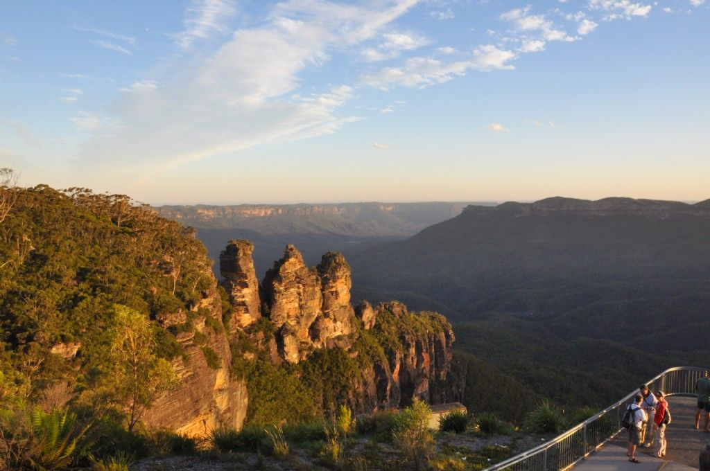 Travel Sellers Across Asia Bound for the Blue Mountains