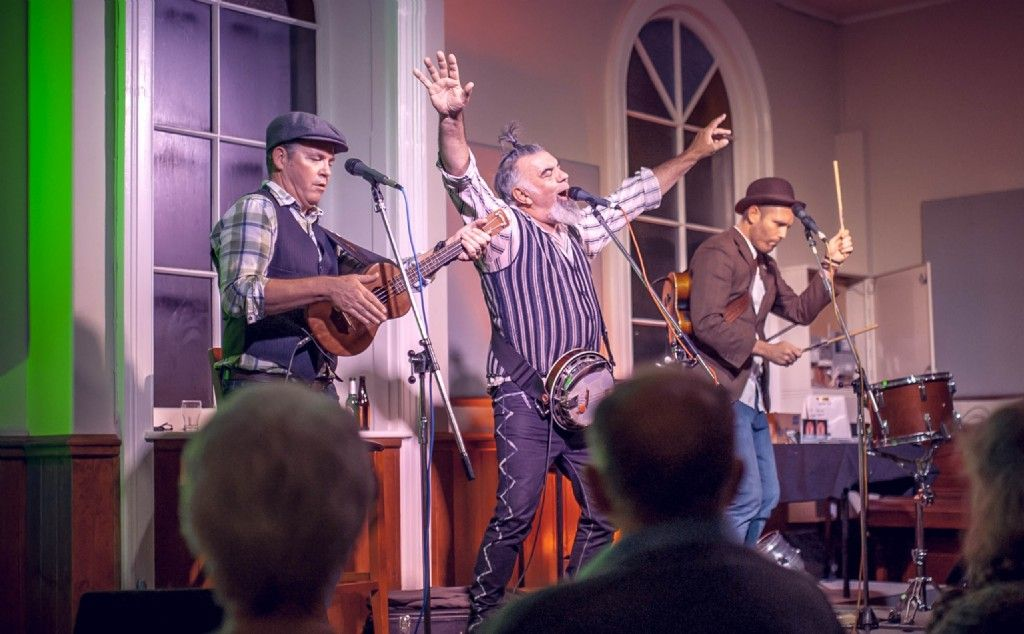 "New Zealand's Favourite Ukulele Band ""The Nukes"" in Concert at The Metropole Guesthouse"
