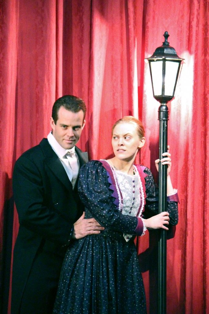 Gaslight Set to Thrill