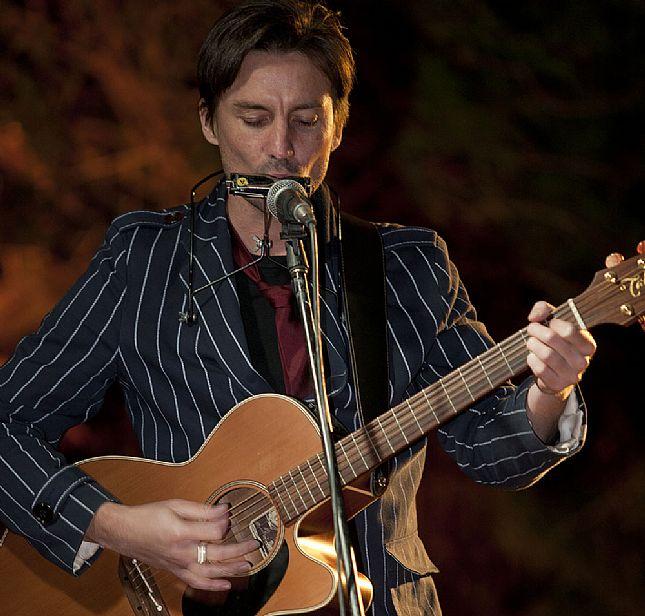 Mitch Grainger In Concert At Hotel Blue Blue Mountains News Fresh Air Daily Blue Mountains Australia