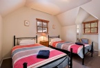 1 room with 2 king single beds