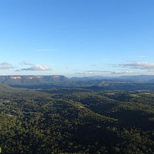 Uninterrupted views across Megalong Valley