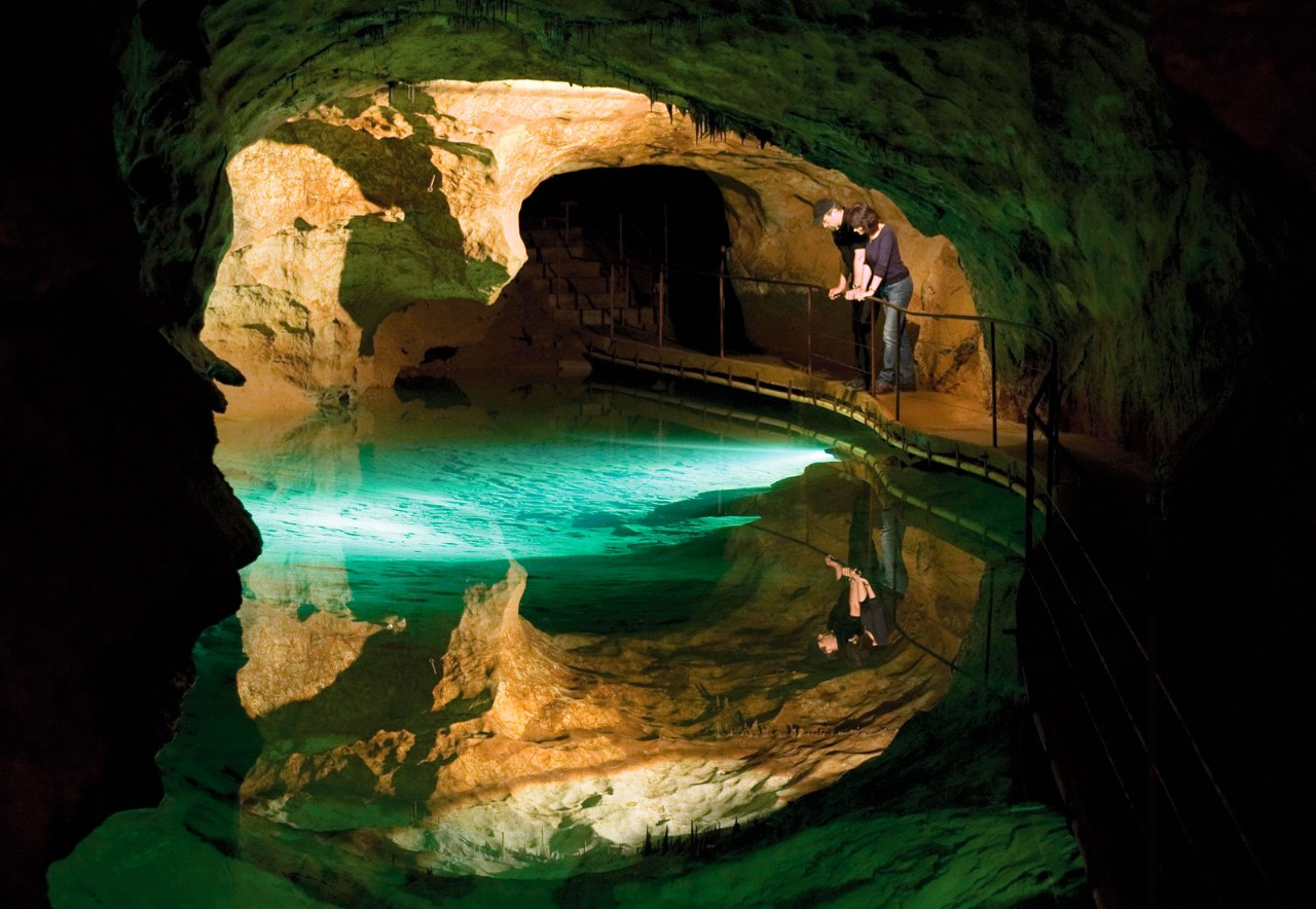 Jenolan Caves Pool Of Reflections